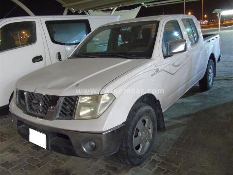 2008 Nissan Navara SE