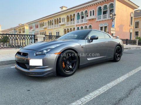 2010 نيسان سكاي لاين سكاى GTR