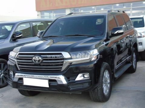 2017 Toyota Land Cruiser GXR V8