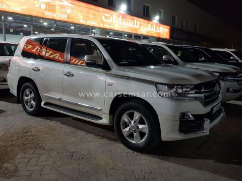2011 Toyota Land Cruiser VXR Grand Touring S