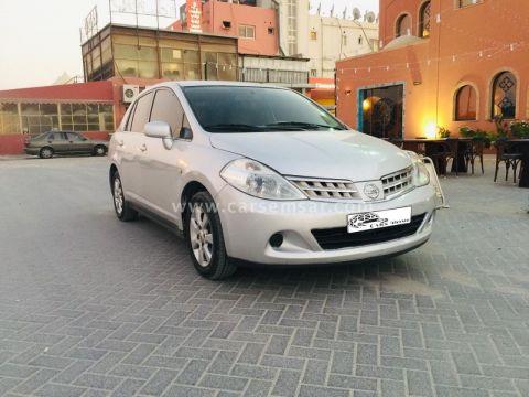 2009 Nissan Tiida SE