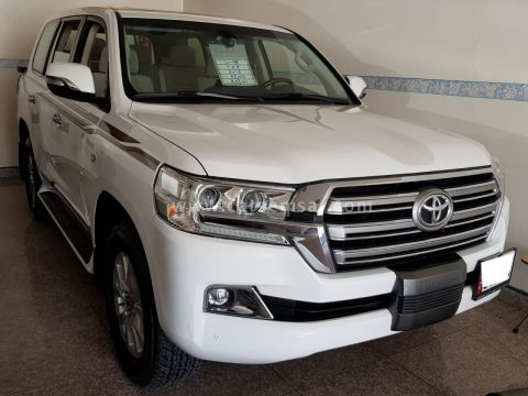 2018 Toyota Land Cruiser VXR