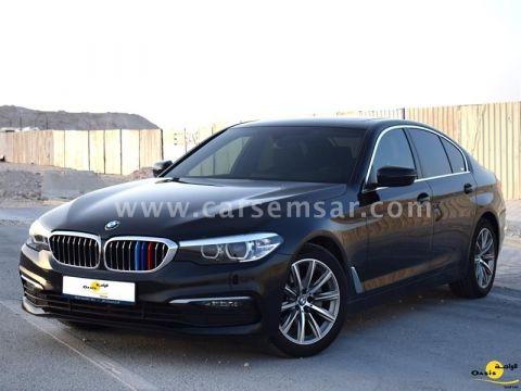 2020 BMW 5-Series 520i