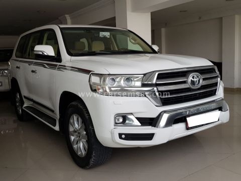 2016 Toyota Land Cruiser GXR