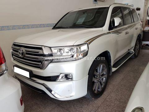 2017 Toyota Land Cruiser VXS