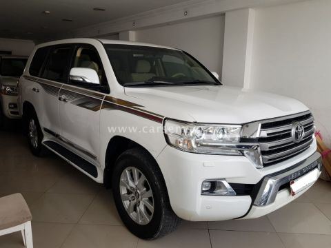 2016 Toyota Land Cruiser GXR V8