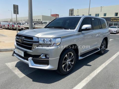 2020 Toyota Land Cruiser VXR Grand Touring S