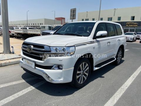 2019 Toyota Land Cruiser VXR Grand Touring S
