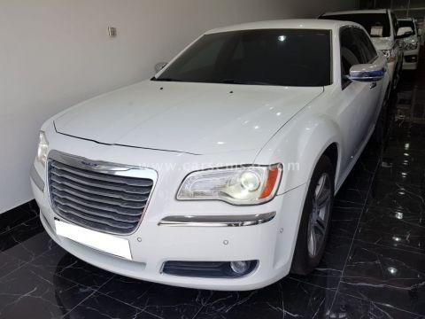 2013 Chrysler 300C 5.7