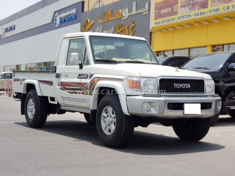 2012 Toyota Land Cruiser Pickup LX