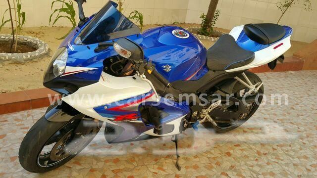 Suzuki GSR 750 for sale