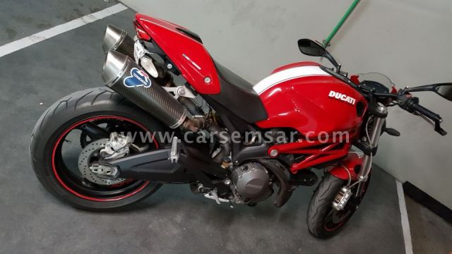 DUCATI MONSTER 696 like new, 2011 model