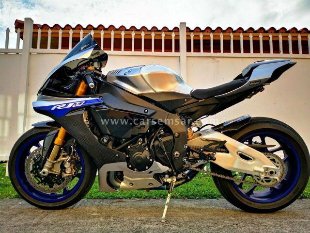2018 Yamaha YZF-R1
